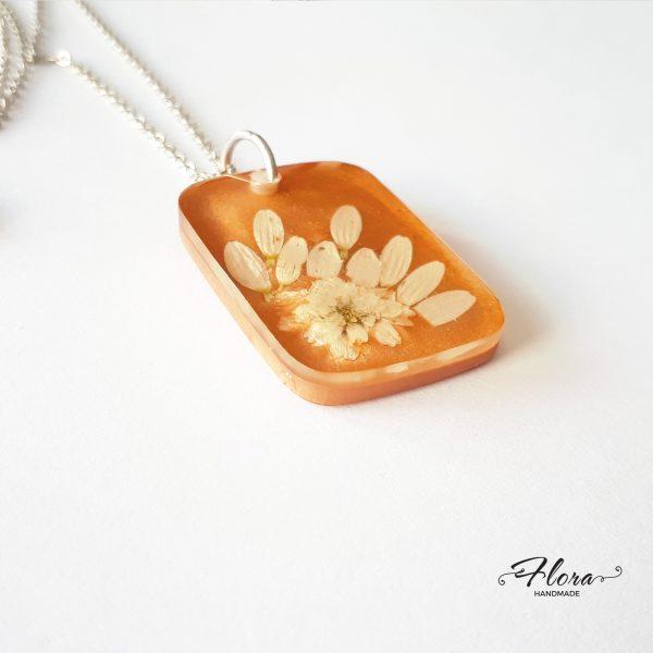 privjesak-bijelo-pravo-cvijeće-tratinčica-P87